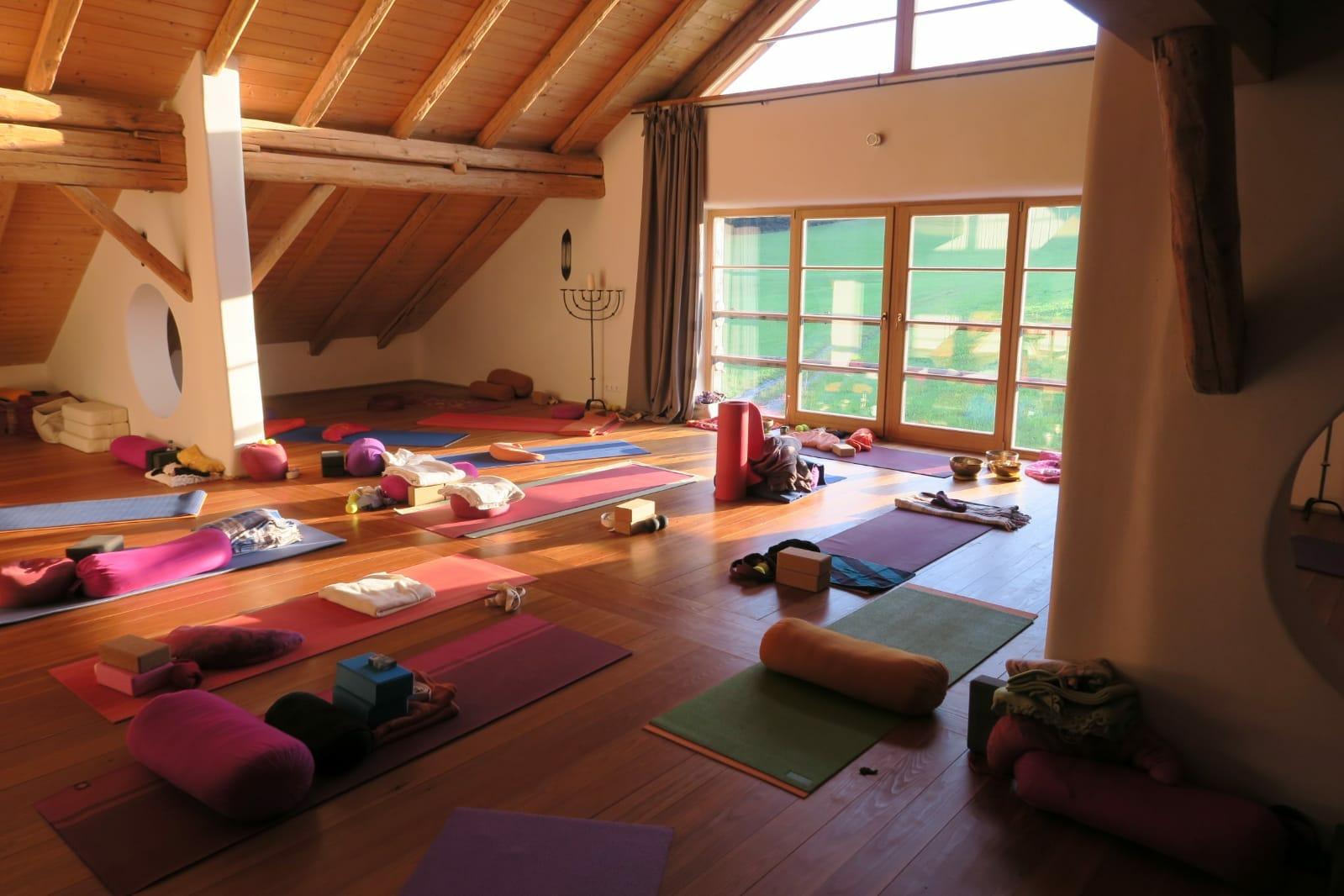 Yoga -und Ayurveda Reise im Allgäu mit Anahata Herz-Yoga